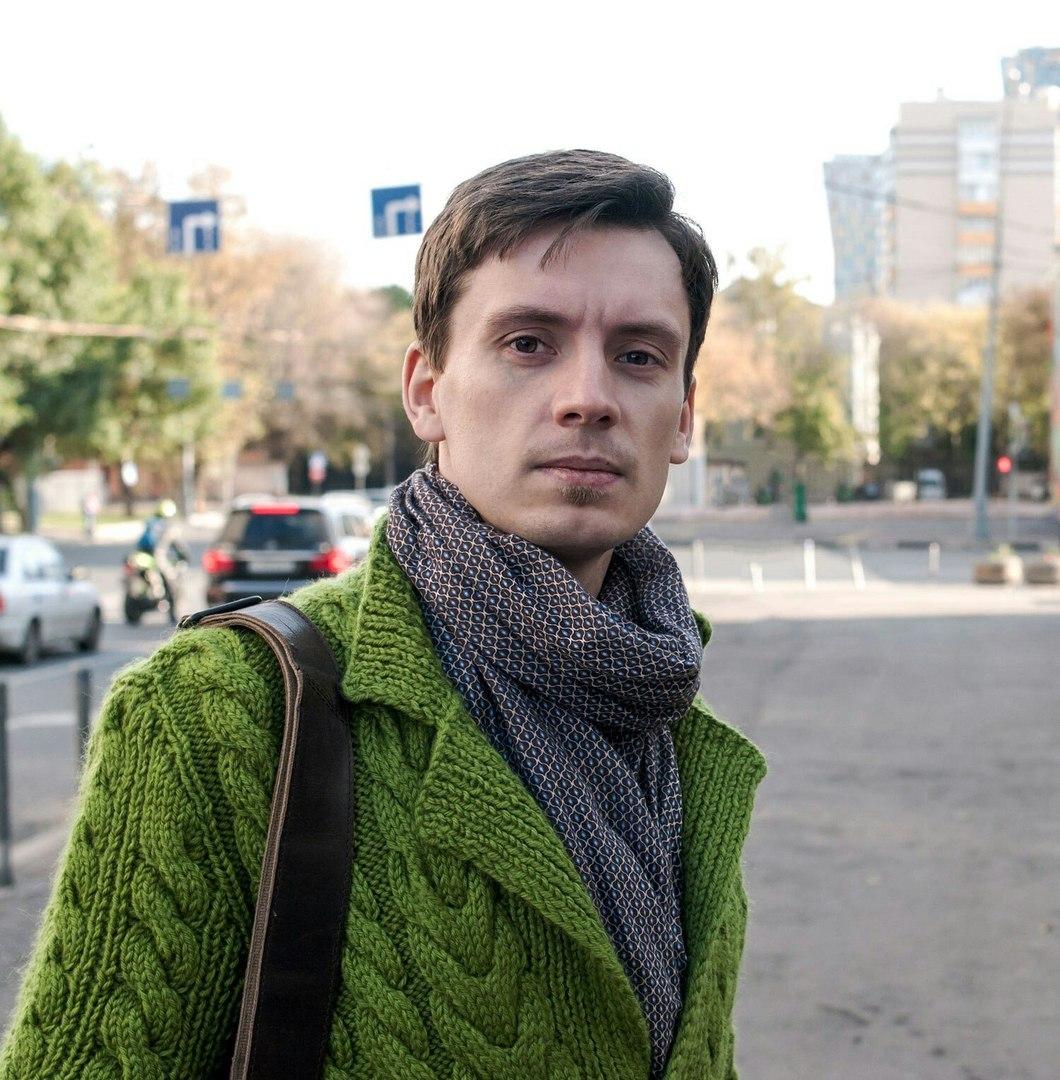 Антонов Антон